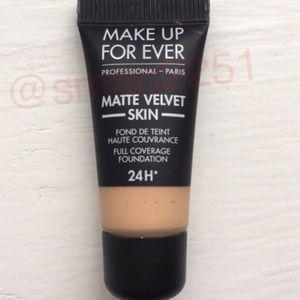🔝5 for $25!💛MUFE Matte Velvet Foundation NEW!